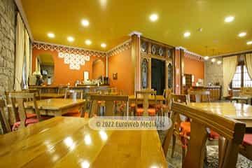 Cafetería. Hotel Puente Romano