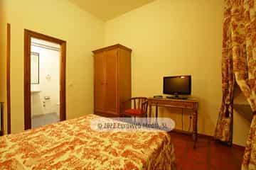 Habitación 004. Hotel Puente Romano