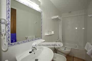 Habitación 33. Hotel Villa de Cabrales