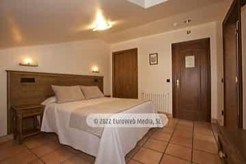 Salón. Hotel Villa de Cabrales