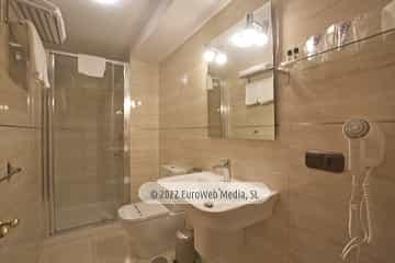 Habitación 201. Hotel Naranjo de Bulnes