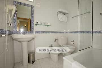 Habitación 305. Hotel Naranjo de Bulnes