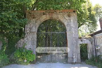 Palacio del Conde de la Vega del Sella