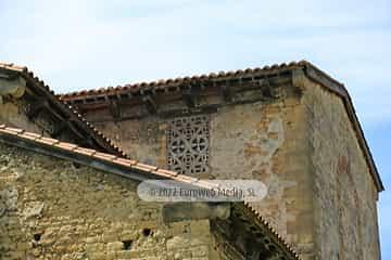 Exteriores. Iglesia San Julián de los Prados de Oviedo