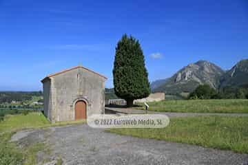 Iglesia románica de Santa María de Junco