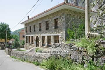 Exteriores. Hotel rural Valle de Lago