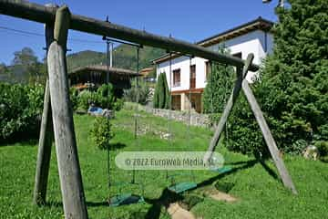 Exteriores. Casa rural El Regueru