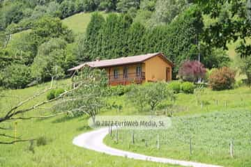 Exteriores. Casa rural La Llosica
