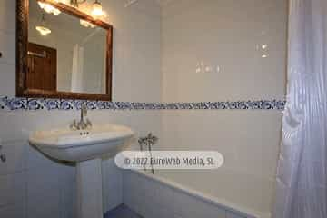 Baño. Casa rural La Llosica