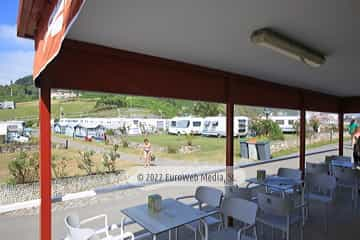 Terraza. Camping Perlora