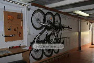 Garaje bicicletas. Hotel Santa Cristina