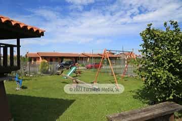 Parque infantil. Apartamentos rurales La Regatina