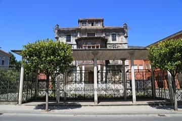 Colegio de monjas «Divina Pastora»