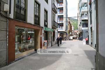 Calle Mayor de Cangas del Narcea
