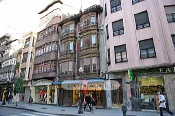 Edificio calle Menéndez Valdés, 27