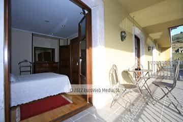 Biblioteca. Apartamentos turísticos La Pontiga