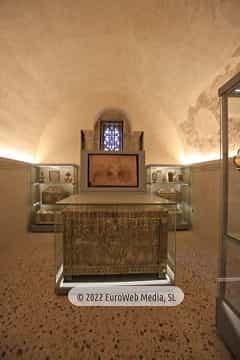 Cámara Santa. Cámara Santa en la Catedral de Oviedo