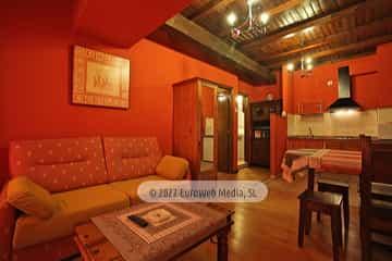 La Sala. Apartamentos rurales La Escuela