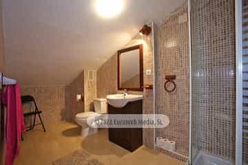 Bajo cubierta: baño. Vivienda vacacional Villa Ruiz