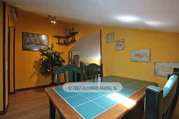 Bajo cubierta: comedor. Vivienda vacacional Villa Ruiz
