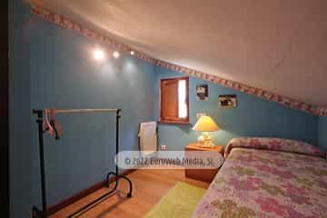 Bajo cubierta: habitación 1. Vivienda vacacional Villa Ruiz
