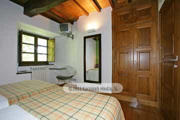 Habitación verde. Casa de aldea Palacio de Ardaliz