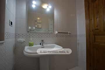 Baño 1. Casa rural La Faya