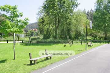 Parque infantil. Apartamentos rurales Llagumelón