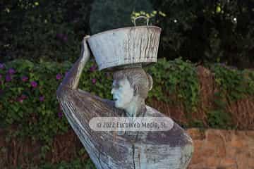 Escultura «La Sardinera» en Lastres