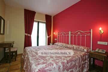 Apartamento 26 [Puertas]. Apartamentos Villa de Cabrales