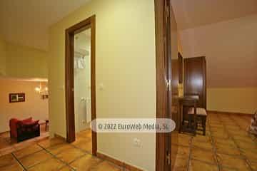 Garaje. Apartamentos Villa de Cabrales