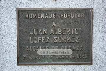 Escultura «Busto de Juan Alberto López Suárez»