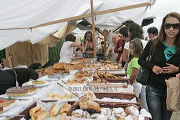 Mercado tradicional de Oles. Mercáu tradicional de Oles
