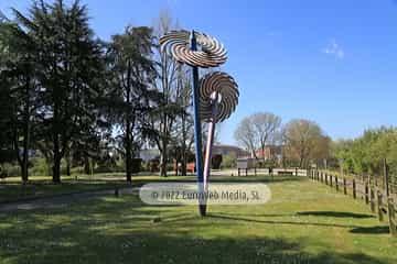 Escultura «Vientos de acero»