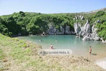 Playa Gulpiyuri. Monumento Natural Playa de Gulpiyuri