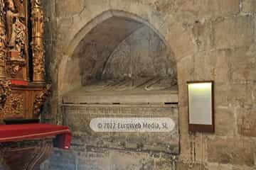 Capilla de la Natividad de la Virgen o de San Roque. Capilla de la Natividad de la Virgen o de San Roque en la Catedral de Oviedo